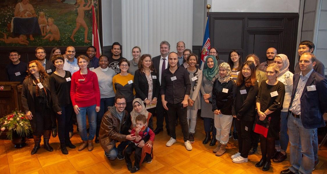 Gruppenfoto der Wissenschaftlerinnen und Wissenschaftler