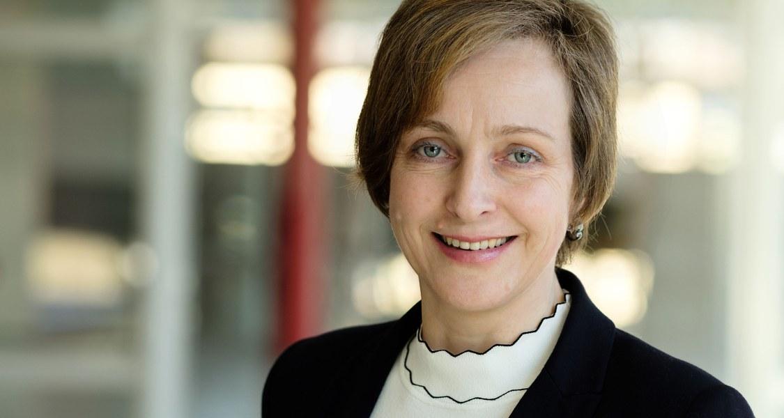 Portraitfoto Prof. Dr. Evelyn Korn