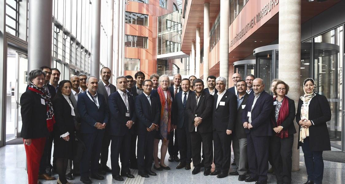 Foto der Teilnehmerinnen und Teilnehmer