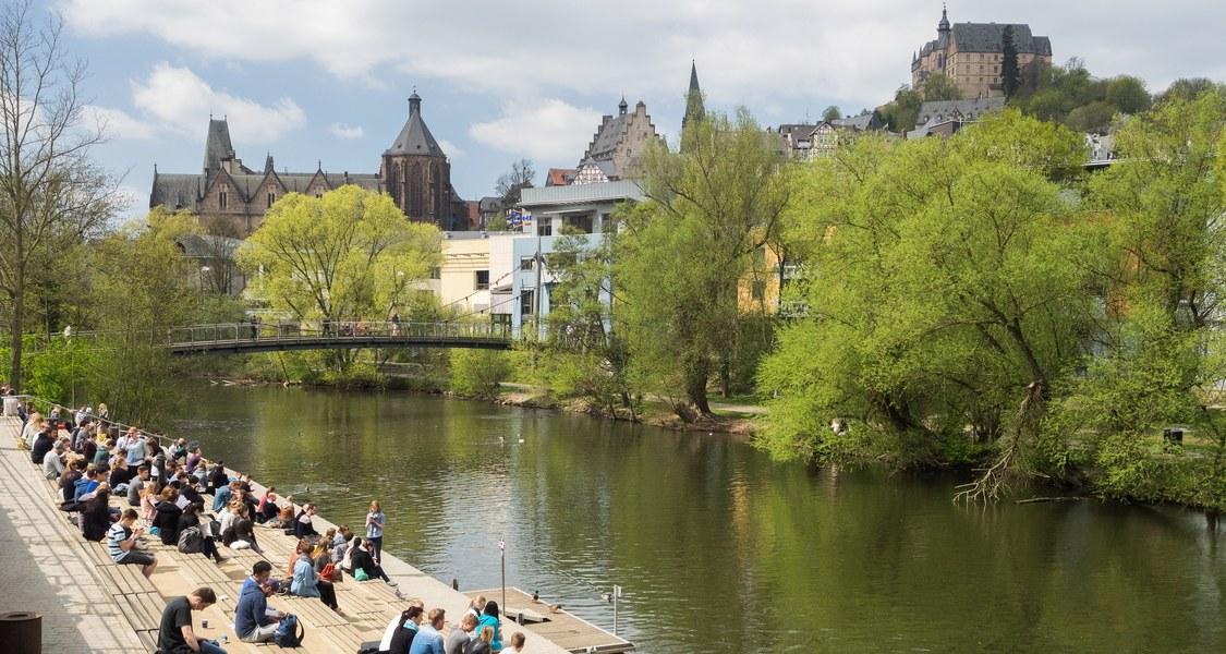 Panoramafoto Lahnterrassen und Schloss