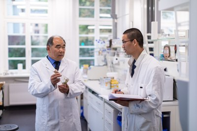 Laborfoto von Prof. Dr. Shu-Ming Li