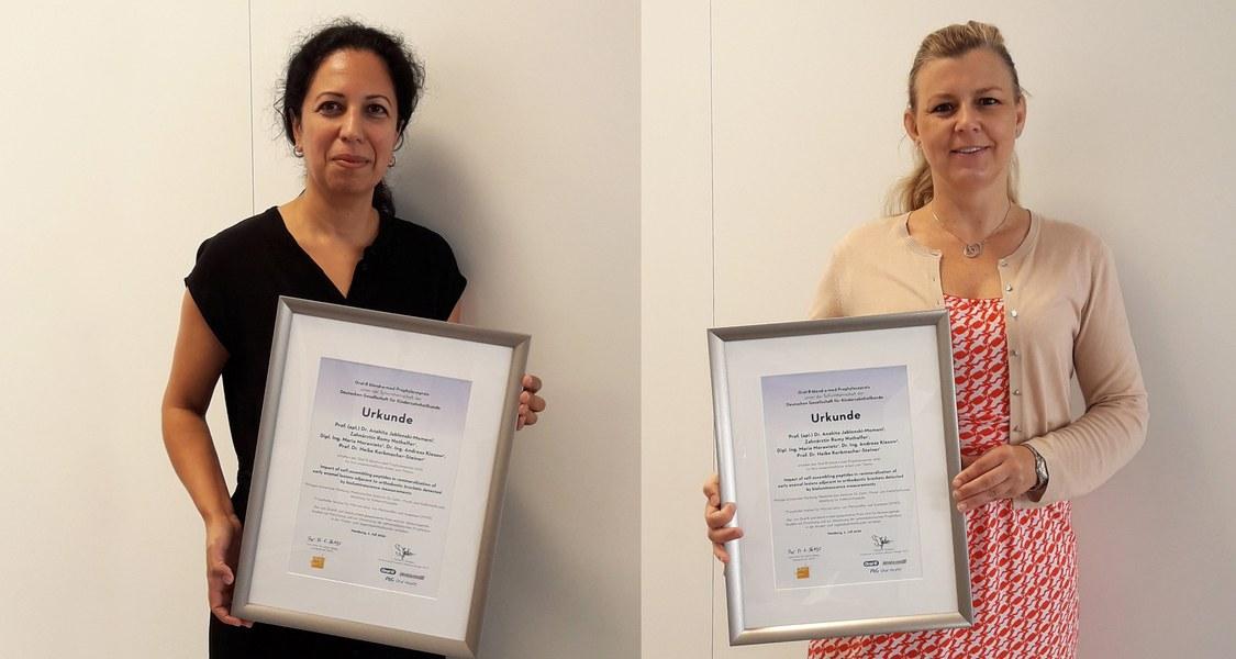 Prof. Dr. Anahita Jablonski-Momeni (links) und Prof. Dr. Heike Korbmacher-Steiner haben für ihre wissenschaftliche Arbeit den Oral-B-Preis 2020 erhalten.