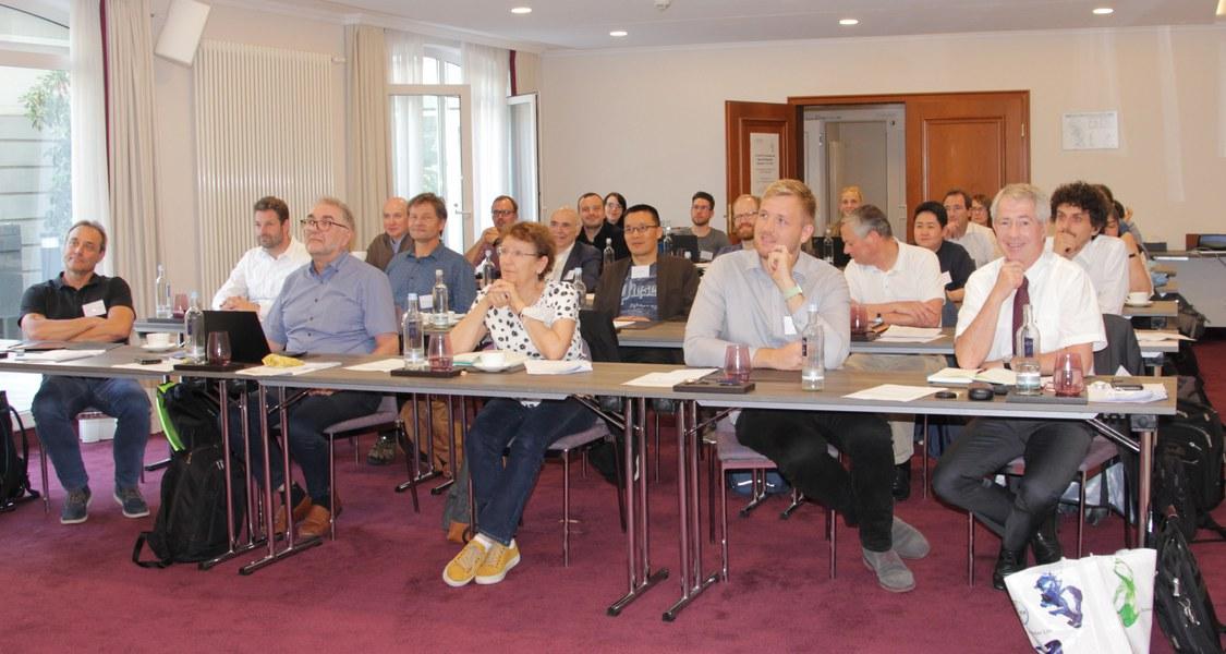 Das Programm bot den Teilnehmerinnen und Teilnehmern zahlreiche Veranstaltungen zu materialwissenschaftlichen Themen.