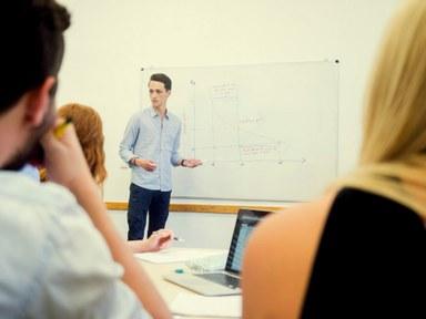 Studierende im Seminar Bild19.jpg