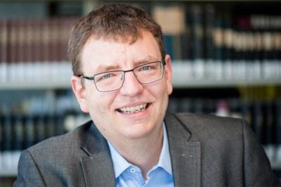 Dr. Lutz Vogel