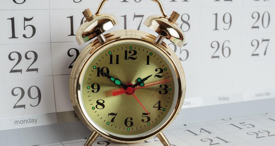 Terminkalender und Wecker