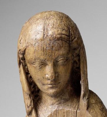 Kopf einer Frauenfigur.jpg