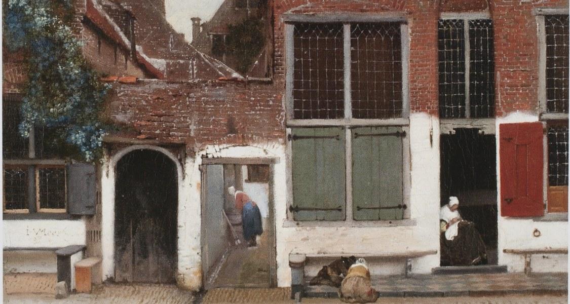 Ausschnitt eines Ölgemäldes: Straßenansicht eines Backsteingiebelhauses mit einer Frau im offenen Hauseingang beim Nähen, einem hockenden Kind auf der Straße und im Hausdurchgang eine Frau mit Besen.