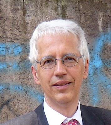 Prof. Dr. Gregor Vogt-Spira