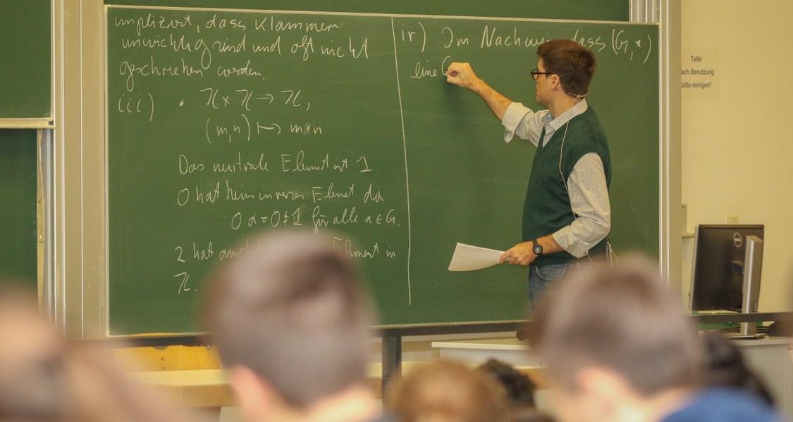 Vorlesungssituation im Hörsaalgebäude