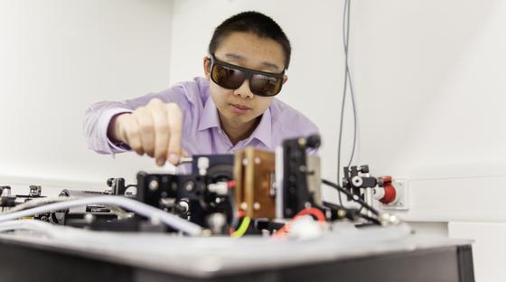 M. Koch, W. Heimbrodt:Elektronische und optische Eigenschaften von neuartigen Halbleitern, von Halbleiter-Nanostrukturen, -Lasern und - Leuchtdioden, Ultrakurzzeitspektroskopie, Spintronik