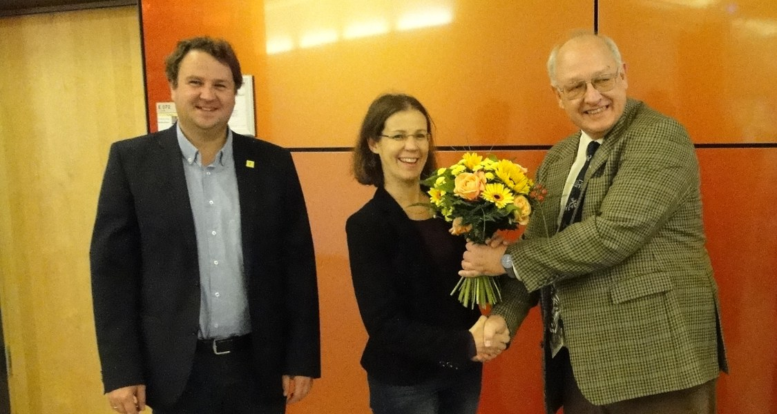 Mit der neuen Vizepräsidentin Prof.Dr. Stefanie Dehnen freuen sich stellvertretend die Dekane Prof.Kraus und Prof. Hampp