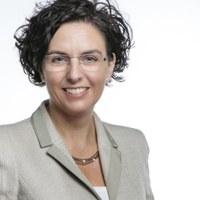 Porträt Prof. Dr. Katja Becker