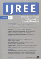 Das Cover ist in leichtem Grau gehalten, IJREE ist weiß auf blauem Hintergrund am Kopf des Covers. Ab dem zweiten Drittel sind die Inhalte des Buches aufgelistet.