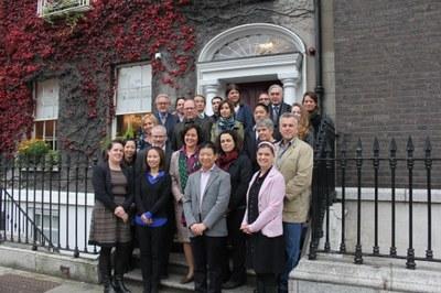 Teilnehmer/innen und Referent/innen der Konferenz am Boston College in Dublin