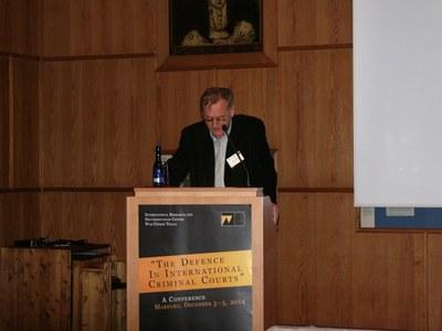 Willi Winkler von der Süddeutschen Zeitung, München, beleuchtete die auch geschäftlichen Aktivitäten des Verteidigers im Eichmann-Prozess Robert Servatius