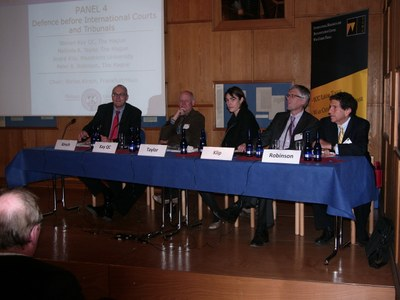 "Panel 4 hatte zum Gegenstand ""Defence before International Courts and Tribunals"""