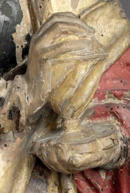 Detailaufnahme des Salbgefäßes, die rechte Hand der Figur stützt das Gefäß von unten, während die linke Hand das Gefäß oben verschlossen hält.
