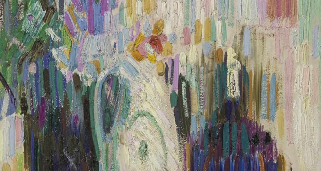Ein Blumenstillleben im Hochformat. Lange Pinselstriche, ein kräftiges Violett, Gelb-, Weiß- und Blautöne charakterisieren das Kunstwerk.