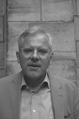 Profilfoto von Prof. Dr. Karl Pinggéra.