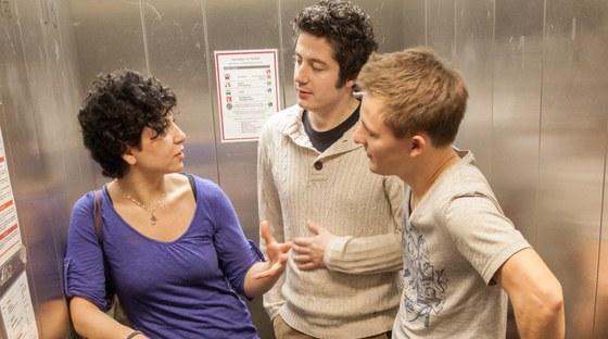 Sie möchten wissen, wie Sie am besten ins Studium an der Philipps-Universität Marburg starten können?Dafür sorgen die Studieneinführungsprogramme der Fachbereiche - in Marburg meist Orientierungseinheit, kurz: OE genannt