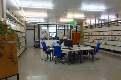Info-Pool der Bibliothek Biologie - PC-Arbeitsplätze im Zentrum der Bibliothek