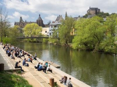 Blick vom Lahnufer Mensa Richtung Oberstadt