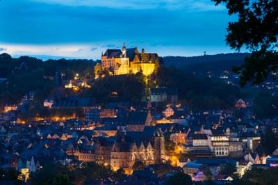 Schloss und Oberstadt bei Nacht