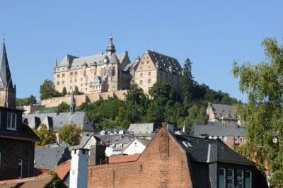 Landgrafenschloss und Dächer der Oberstadt