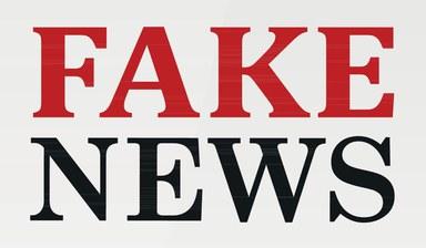 Zu sehen ist der Schriftzug: Fake News.